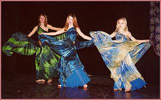 """Сёстры Гороховы. Студия восточного танца """"Джунейна"""". Концерт, ноябрь 2003"""