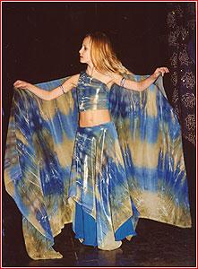 """Анна Горохова. Студия восточного танца """"Джунейна"""". Концерт, ноябрь 2003"""