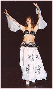 """Елена. Студия восточного танца """"Джунейна"""". Концерт, ноябрь 2003"""