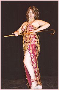 """Марина. Студия восточного танца """"Джунейна"""". Концерт, ноябрь 2003"""