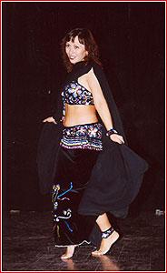 """Оксана. Студия восточного танца """"Джунейна"""". Концерт, ноябрь 2003"""