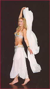"""Татьяна. Студия восточного танца """"Джунейна"""". Концерт, январь 2004"""