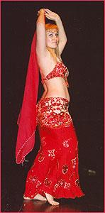 """Яна. Студия восточного танца """"Джунейна"""". Концерт, январь 2004"""